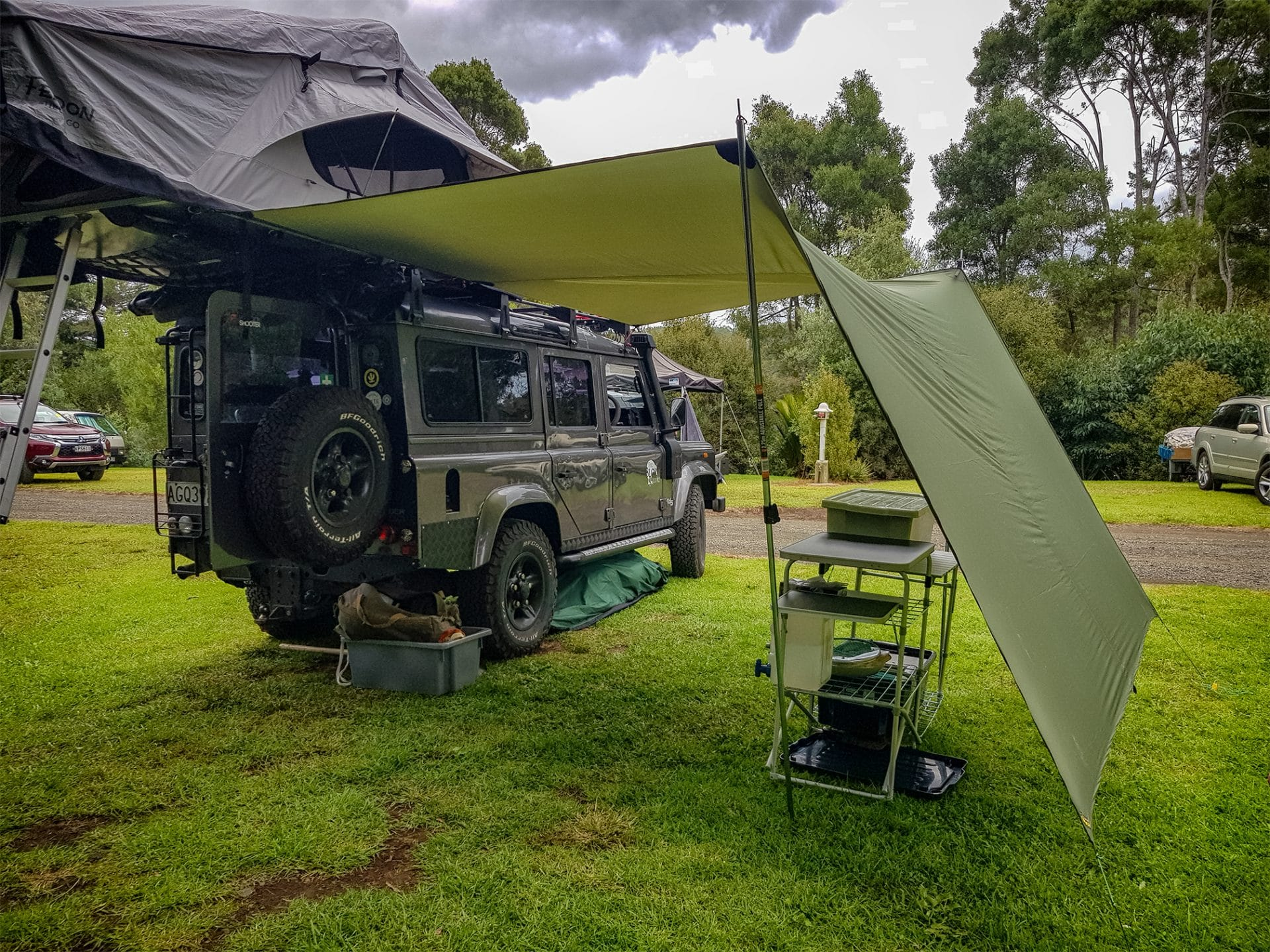 , A trip to Hot Water Beach in the Defender