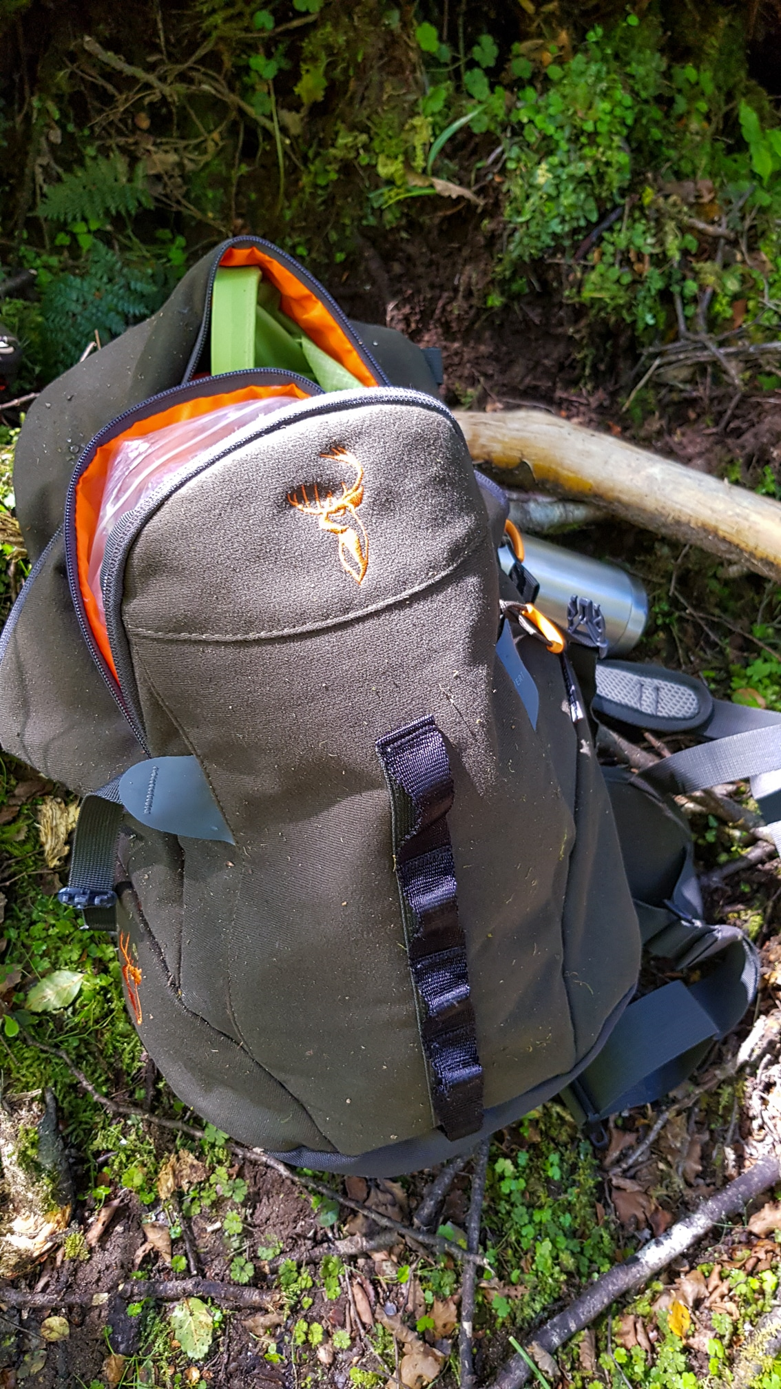 The Hunters Element Vertical Pack